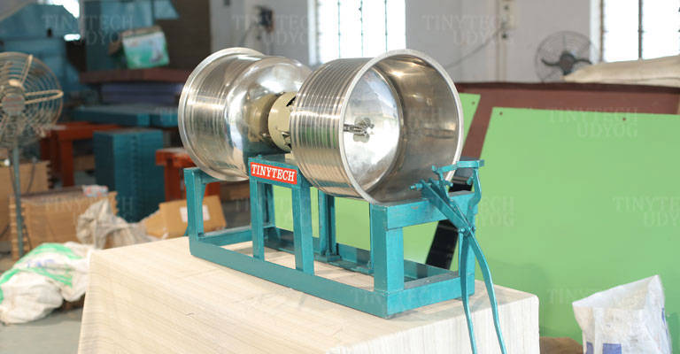 Tinytech - Coconut Grating Machine